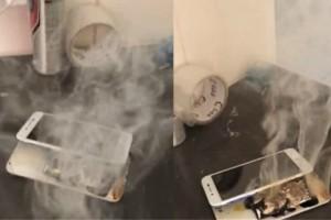 Η στιγμή που ένα smartphone πιάνει φωτιά την ώρα που φορτίζει (video)