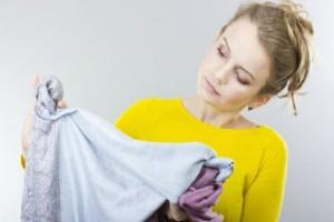 Θα σου λύσει τα χέρια: Ένα εύκολο κόλπο για να βγάλεις τον λεκέ από χλωρίνη!