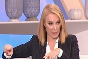 """Χαμός στο πλατό της Τατιάνας Στεφανίδου: Μητέρα θύματος της έκλεισε το τηλέφωνο στην """"μούρη""""! (video)"""