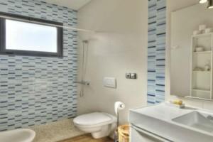 Καθαριότητα στο σπίτι: Αυτό πρέπει να κάνετε για να μυρίζει πάντα τέλεια το μπάνιο σας!