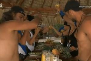 "Nomads: Τα γλέντια, οι χοροί και το...μπάνιο των ""Κροκόδειλων"" στο νησί! (video)"