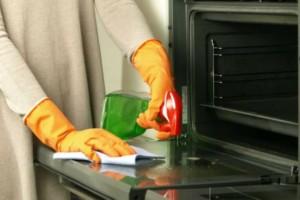 Έτσι θα καθαρίσετε το διπλό τζάμι του φούρνου σας!