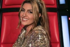 """Έλενα Παπαρίζου: Ο """"τρελός"""" χορός της στα backstage του """"Voice""""!  (video)"""