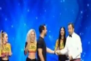 Ελλάδα έχεις ταλέντο: Απίστευτο σκηνικό στην σκηνή! Το τερμάτισε ο Τανιμανίδης! (video)