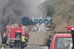 Τροχαίο κοντά στην Τρίπολη: Νταλίκα ανετράπη και πήρε φωτιά!