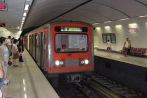 Πορτοφολάδες πιάστηκαν επ' αυτοφώρω στο μετρό! Δεν φαντάζεστε τι ακολούθησε... (video)