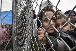 «Κόπηκε» από τη RAI το ντοκιμαντέρ με τον αστυνομικό που βρίζει χυδαία ηλικιωμένη πρόσφυγα στη Μόρια
