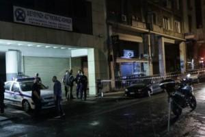 Χαμός με την επίθεση στο Α.Τ. Ομονοίας: Τέσσερις τραυματίες - Για «δολοφονική επίθεση» μιλούν οι αστυνομικοί