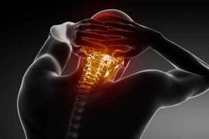 Αυχενικό σύνδρομο: Ασκήσεις για ανακούφιση και θεραπεία