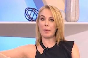 """""""Ληστές στο σπίτι μας..."""" - Έντρομη η Τατιάνα Στεφανίδου on air! (video)"""