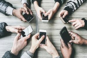 Πώς θα «απεξαρτηθείτε» από το κινητό σας, σήμερα!