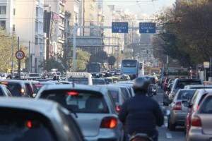 Απίστευτο μποτιλιάρισμα στους δρόμους της Αθήνας! - Πού χτυπάει κόκκινο η κίνηση;
