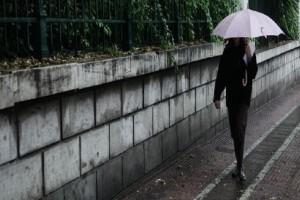Με βροχές και συννεφιά ξεκινά η εβδομάδα! - Πού θα κυμανθεί η θερμοκρασία;