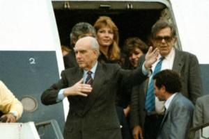 22 Οκτωβρίου 1988: 30 χρόνια από το «νεύμα» του Ανδρέα Παπανδρέου στη Δήμητρα Λιάνη!