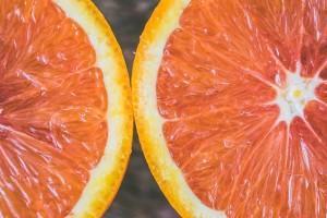 Κορίτσια δώστε βάση: Scrub για πρόσωπο και σώμα με χυμό πορτοκαλιού!