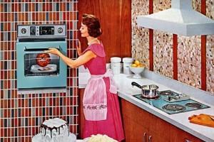 Έρευνα σοκ: Η θέση της γυναίκας είναι στο σπίτι; Τι απαντούν οι Έλληνες