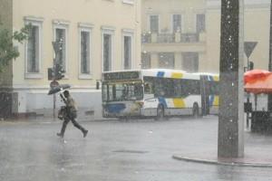Έρχεται ο Ορέστης από το απόγευμα: Ραγδαία επιδείνωση του καιρού, ισχυρές βροχές και...χιόνια!