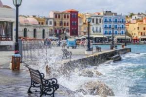 Η φωτογραφία της ημέρας: Βόλτα στο λιμάνι των Χανίων!
