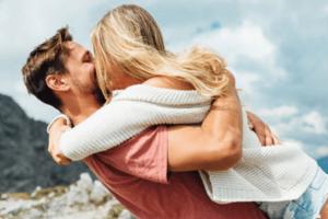Ζώδια και σχέσεις: Πώς θα καταλάβεις ότι βρήκες το άλλο σου μισό, ανάλογα με το ζώδιο σου
