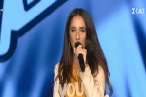 The Voice: Η διαγωνιζόμενη που τραγούδησε ζουλού και η αδιάκριτη ερώτηση της Έλενας Παπαρίζου! (Video)