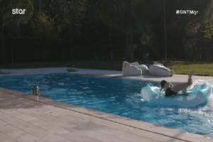 GNTM: Tα.... π***ν@κι@ της πισίνας, οι ειρωνείες και οι μπηχτές που δυναμίτισαν το κλίμα! (Video)
