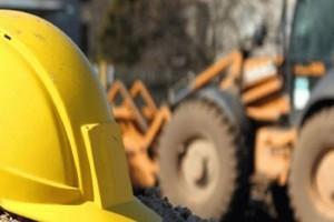 Σοκαριστικό ατύχημα στην Αντίπαρο με έναν νεκρό εργάτη! - Τον καταπλάκωσε το σκαπτικό μηχάνημα!
