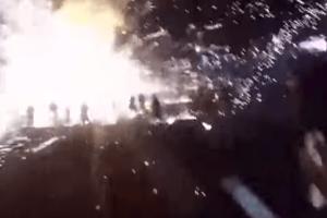Απίστευτο: Αερόστατο γεμάτο πυροτεχνήματα εξερράγη και έπεσε σε πλήθος!
