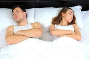 Ο λόγος που πρέπει να κοιμάστε χωριστά!