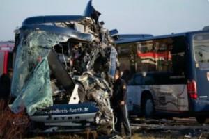 Τροχαίο ατύχημα με σχολικά στη Γερμανία! 40 τραυματίες (Photo)