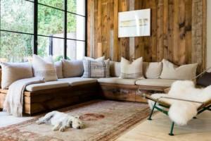 Καθαριότητα στο σπίτι: Έτσι θα διατηρήσεις το σαλόνι σου μυρωδάτο και καθαρό!