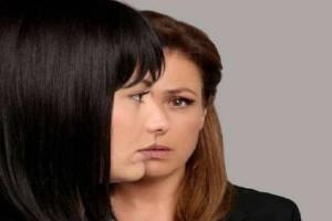 Γυναίκα χωρίς όνομα: Ο Κωστής ζητάει από την Έλλη να χωρίσουν!