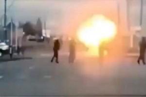 Συγκλονιστικό βίντεο: Η στιγμή που γυναίκα - καμικάζι ανατινάσσεται στην Τσετσενία!