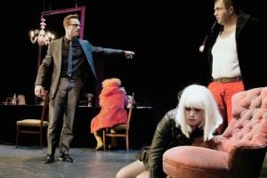 Κριτική Θεάτρου: «Τάνγκο» του Σλάβομιρ Μρόζεκ στο Θέατρο «Olvio»