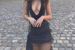 Της απαγόρευσαν την είσοδο στο Λούβρο λόγω... ντυσίματος! (photo)