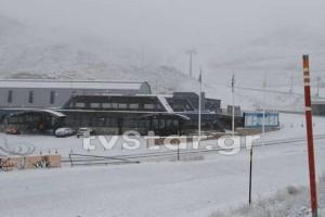 Ισχυρή χιονόπτωση στον Παρνασσό! Όλα κάτασπρα (photos+video)