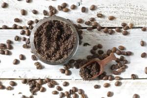 Το κόλπο που θα κάνει το coffee scrub σου ακόμα πιο δραστικό!
