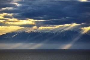 Η φωτογραφία της ημέρας: Στιγμιότυπο από τις χιονισμένες κορυφές του Ολύμπου!