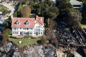 Δεν φαντάζεστε ποιανού πασίγνωστου ηθοποιού σώθηκε το σπίτι από την φωτιά!