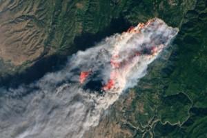 Οι πυρκαγιές στην Καλιφόρνια όπως φαίνονται από το διάστημα! (photos)