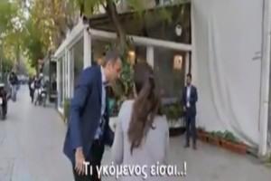 «Τι γκόμενος είσαι»! - Κάτοικος Κυψέλης είδες τον Μητσοτάκη και θαμπώθηκε από την γοητεία του! (Video)