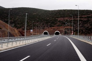 Οδηγοί δώστε βάση: Κλειστές οι σήραγγες Αγίου Κωνσταντίνου και Καμένων Βούρλων