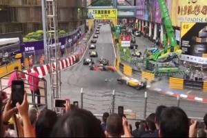 Ανατριχιαστικό ατύχημα στη Formula: Μονοθέσιο σηκώθηκε στον αέρα και καρφώθηκε σε εξέδρα! (video)