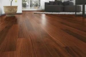 Έτσι θα καθαρίσετε το ξύλινο πάτωμά σας!