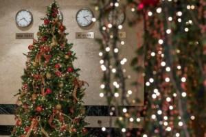 Νιώστε τη Μαγεία των Γιορτών στα Ξενοδοχεία του Ομίλου Διβάνη!