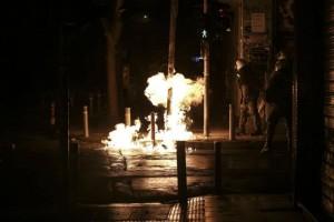 Επίθεση αναρχικών με μολότοφ κατά του κτιρίου των ΜΑΤ!