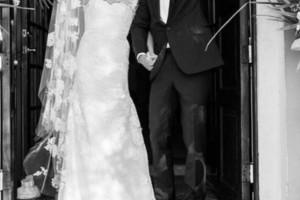 Γάμος έκπληξη στην showbiz: Αγαπημένο ζευγάρι ανέβηκε τα σκαλιά της εκκλησίας!