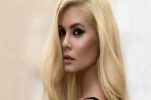Μαρία Κορινθίου: Η ηθοποιός ποζάρει με μαύρα εσώρουχα και «ρίχνει» το Instagram!