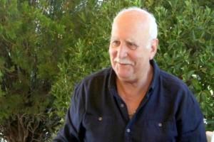 """Γιώργος Παπαδάκης: Ο άνδρας που καραδοκεί να του """"αρπάξει"""" την ευτυχία!"""