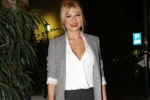Φαίη Σκορδά: Πώς να φορέσεις σωστά το λευκό και τον χειμώνα! - Κάντο όπως η παρουσιάστρια!