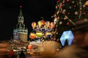 Η φωτογραφία της ημέρας: Η Κόκκινα Πλατεία της Μόσχας έχει φορέσει τα γιορτινά της!